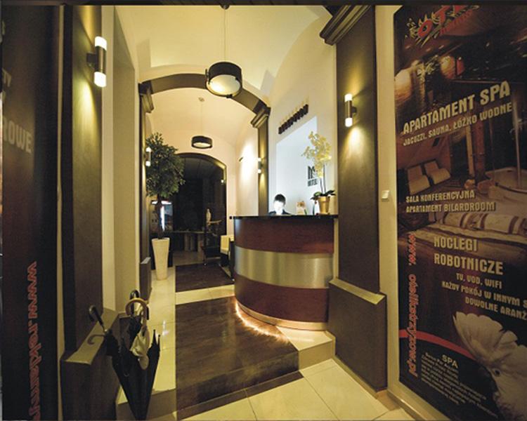 Główne wejście Hotelik Strzyżów
